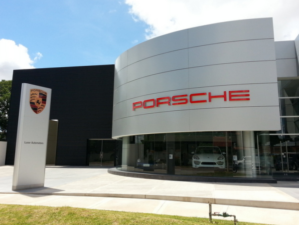 porsche luxor automotors en santa cruz de la sierra. Black Bedroom Furniture Sets. Home Design Ideas
